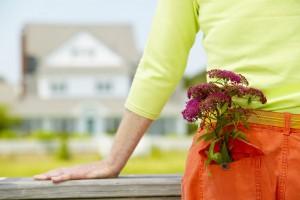 husovertakelse med blomster stor